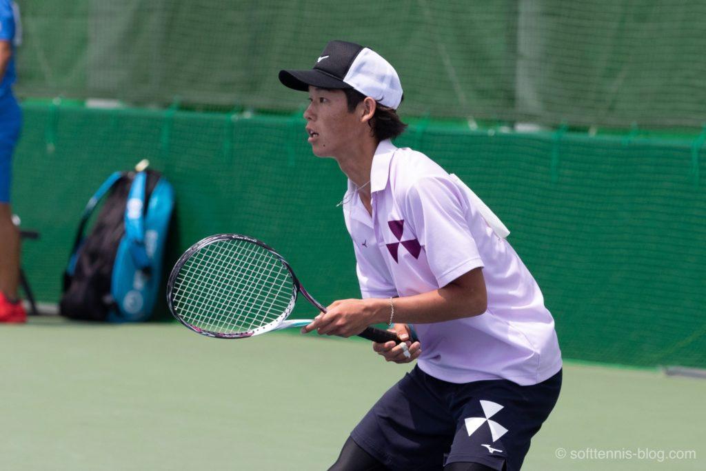 上岡選手の使用ソフトテニスラケット(2019年)
