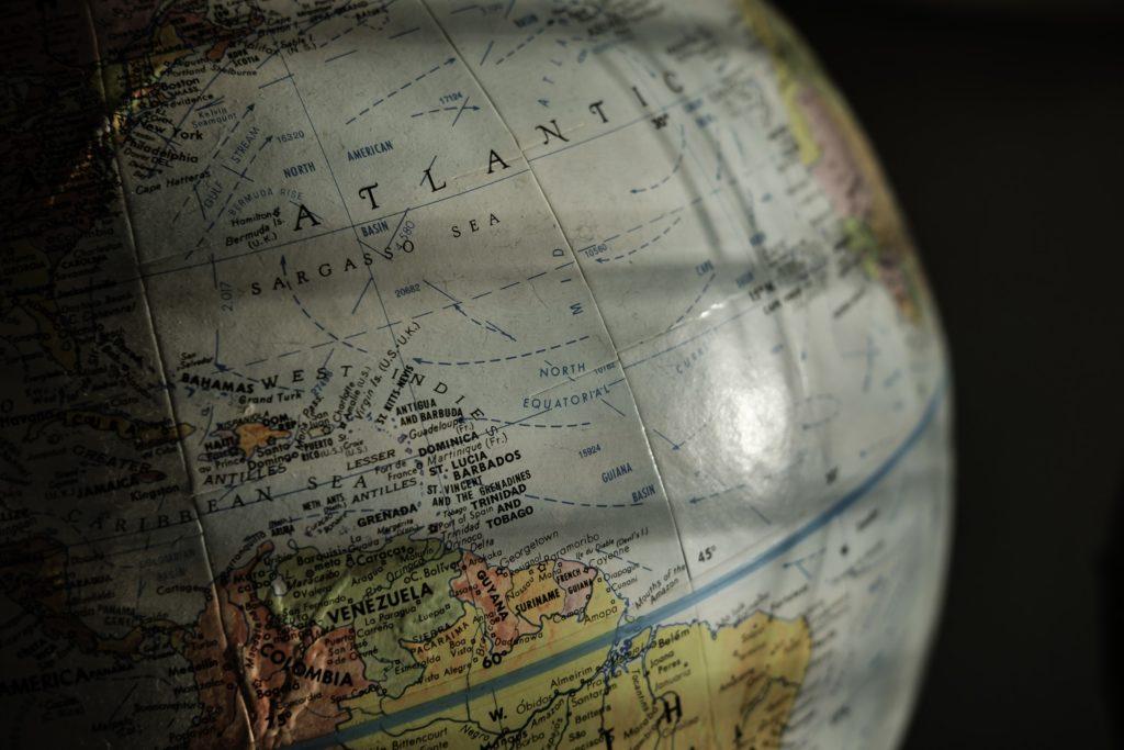 地球儀の画像