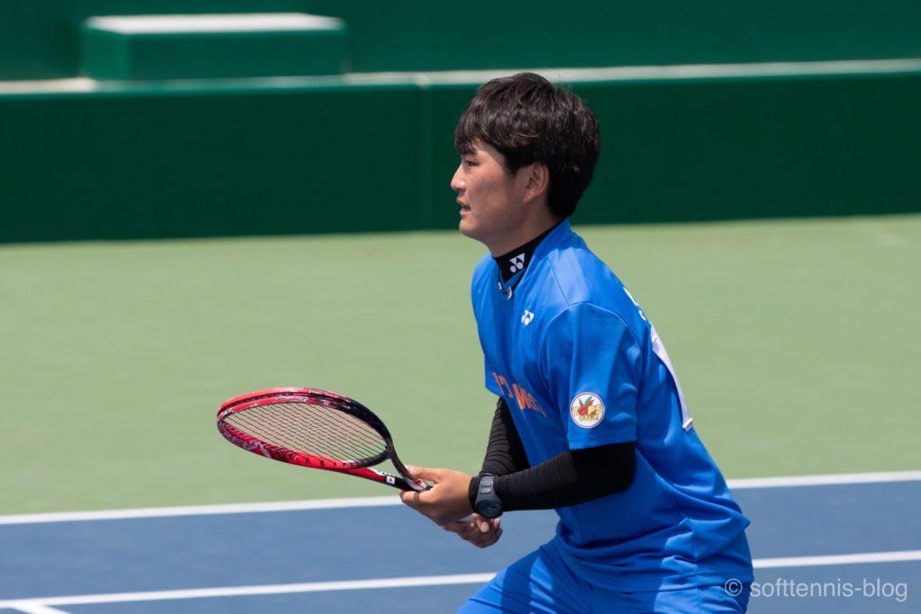ソフトテニス選手が着用している腕時計(スポーツウォッチ、スマートウォッチ)の画像