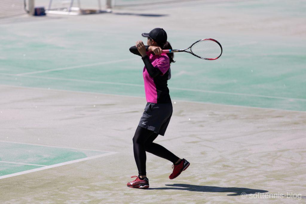 フォアハンドの画像(ソフトテニス)