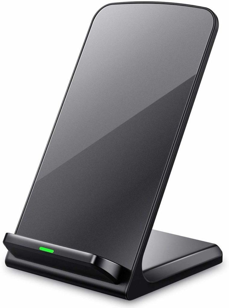 AirPods Proに使える無線充電器の画像