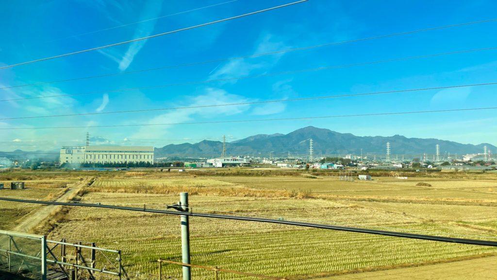 田んぼと山の画像